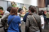 Blocaires tot visitant les paneres de la Fira de Sant Isidre
