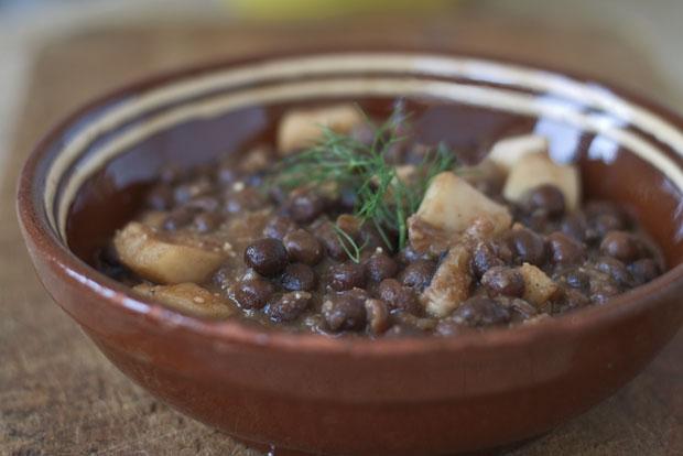 Pèsols negres amb sèpia